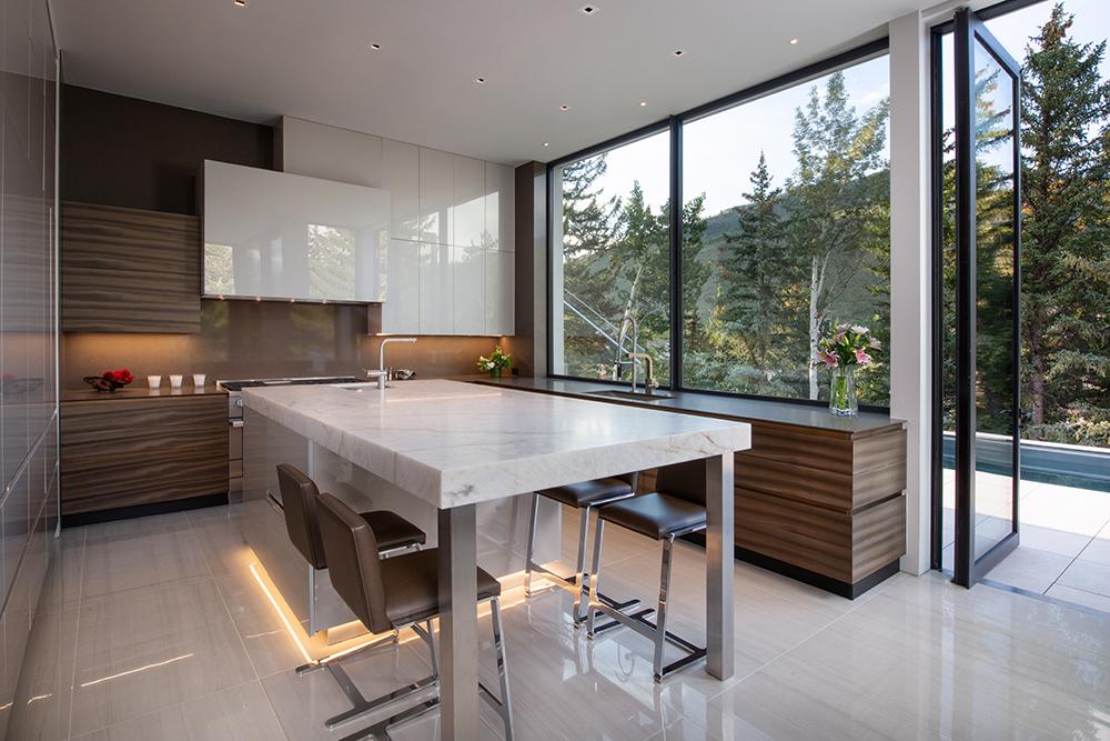 165forestrd Kitchen