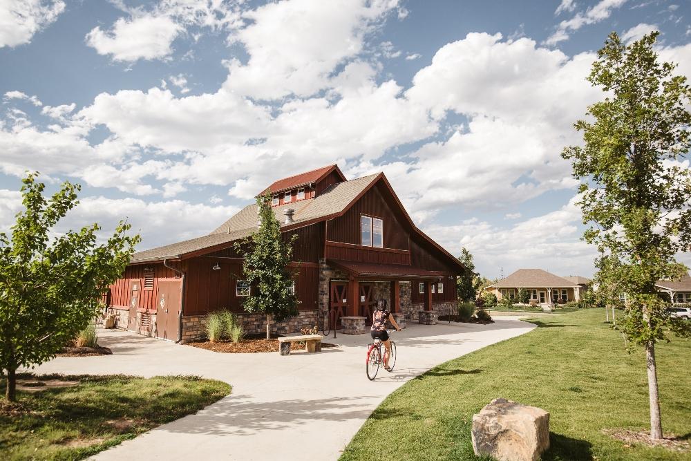 Bucking Horse Poolhouse (1)
