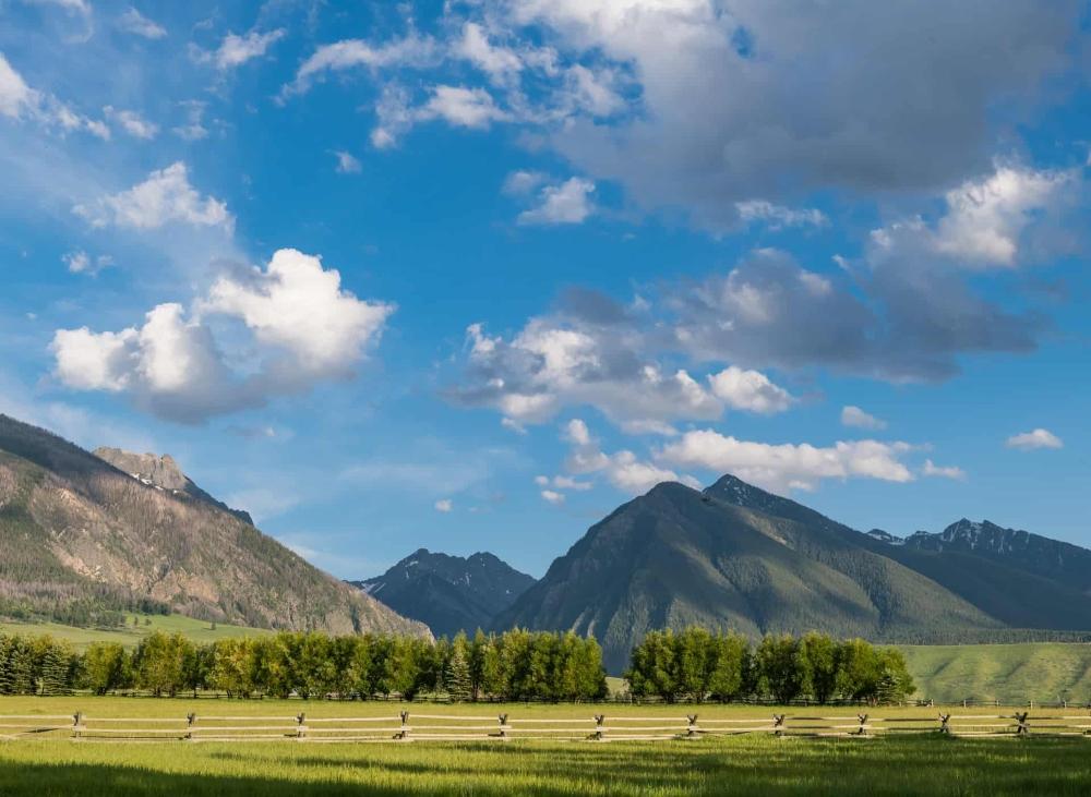 Mountain Views Absaroka Moon Retreat Livingston Montana Land For Sale