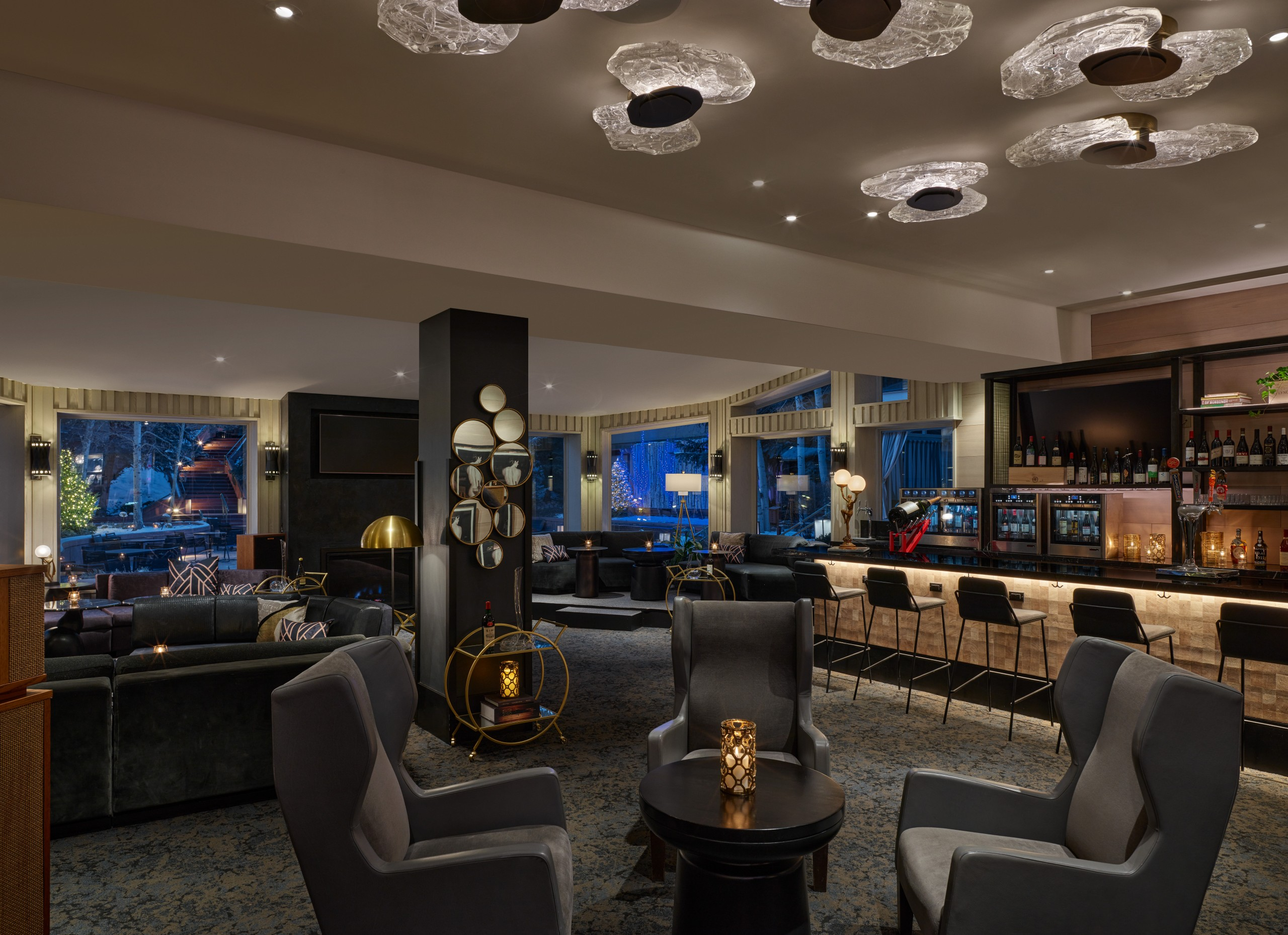 Web Highres Littlenell Winebar Overall2 37226